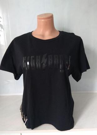 Крутая  футболка zara с принтом