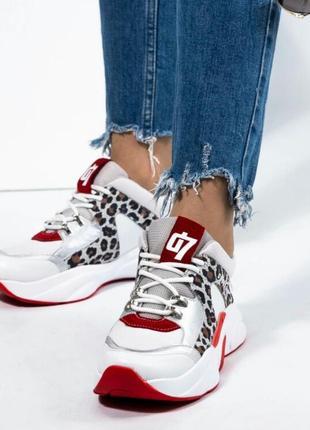 Женское кожаные кроссовки