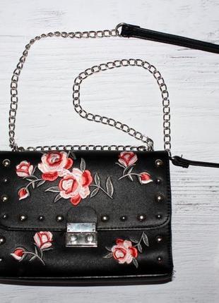 Вишукана сумочка з вишивкою stradivarius stradivarius