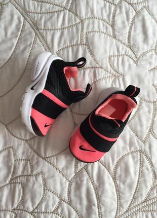Суперские фирменные кроссовки на девочку nike