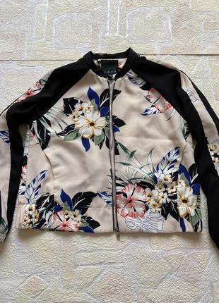 Бомбер куртка amisu