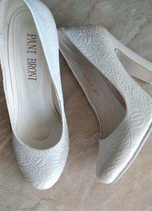 Свадебные туфли кожаные