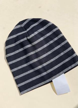 Демисезонная шапочка бренда h&m на мальчика