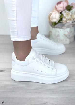 Белые кроссовки кеды слипоны криперы на дутой подошве платформе а стиле mcqueen