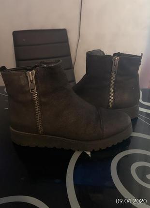 Классные теплые ботинки-сапожки vagabond