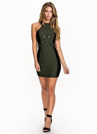 Платье футляр утягивающее с открытой спинкой по фигуре