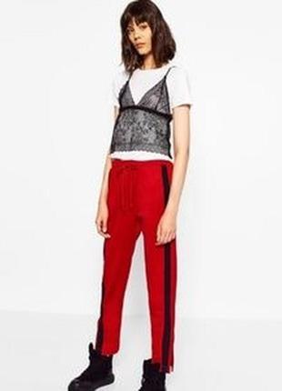 Удобные красные спортивные брюки zara s