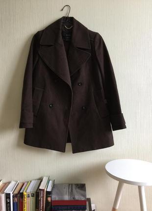 Теплое шерстяное  пальто mango