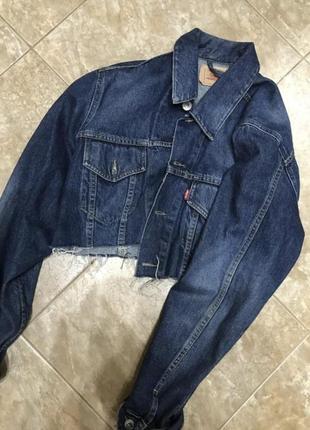 Укорочённая джинсовая куртка ливайс