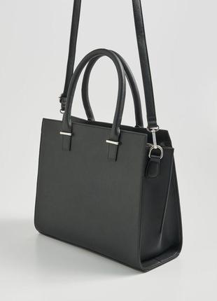 Чёрная женская сумка с длинной sinsay