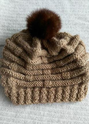 Милая шерстяная шапочка