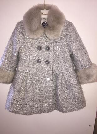 Очень красивое пальто f&f с мягким мехом