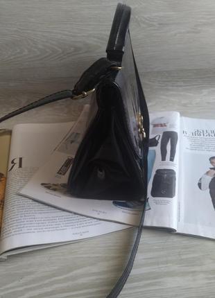 Черная лаковая сумка5 фото