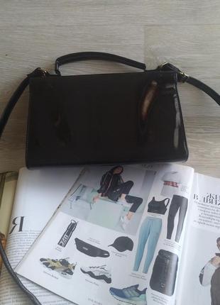 Черная лаковая сумка6 фото