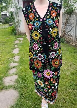 Українский етно одяг вишитий бісером