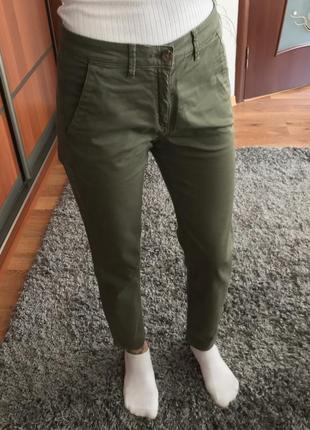 Брюки хаки штаны оливкового цвета хакі штани zara basic denim