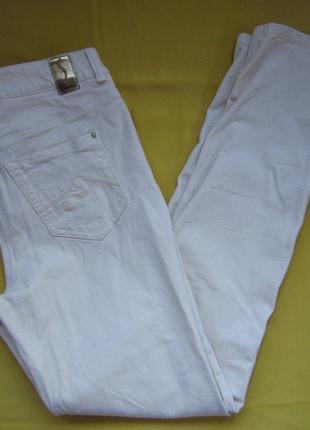 Фирменные новые штаны джинсы