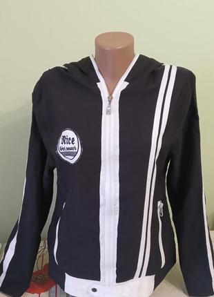 Женская тонкая ветровка с капюшоном на змейке легкая куртка. 2 кармана. плащевка. турция.