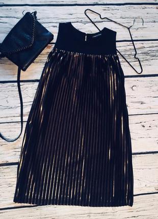 Роскошное блестящее платье плиссе италия
