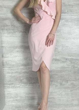 Лёгкое розовое платье сарафан на запах с рюшами воланами