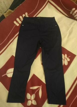 Красивые укороченные брюки