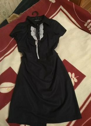 Платье-рубашка с красивой вставкой