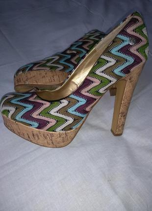 Невероятные туфельки.  туфли на каблуке.