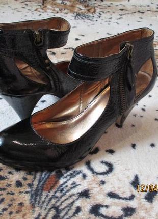 Красивые туфли на замочке с ободком на лодыжке 38 рр 24 см