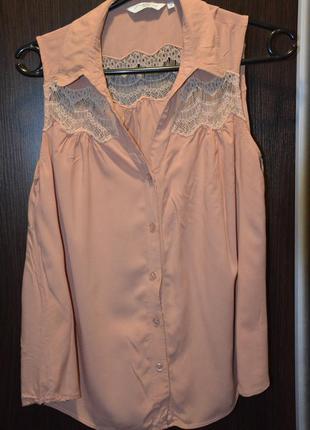 Легкая блузка с кружевом