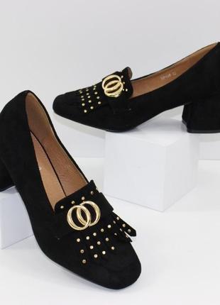 Замшевые женские черные туфли с бахромой на устойчивом каблуке польша5 фото