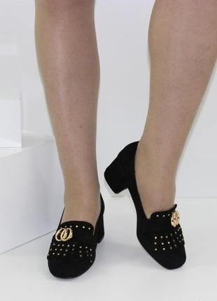 Замшевые женские черные туфли с бахромой на устойчивом каблуке польша4 фото