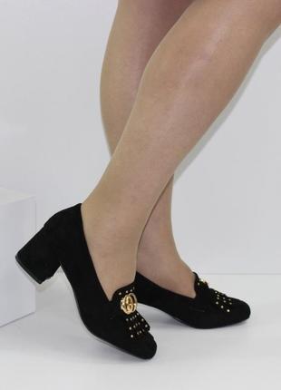 Замшевые женские черные туфли с бахромой на устойчивом каблуке польша8 фото