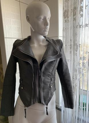 Кожаная куртка косуха куртка короткая маленький размер xs s xxs