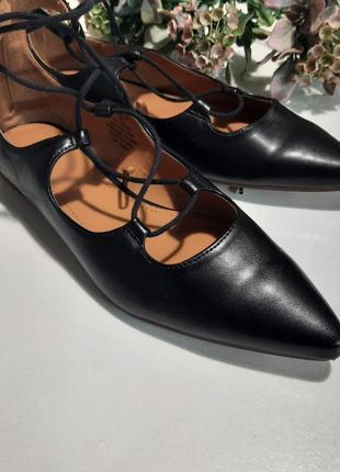 Модные туфли-лодочки на шнуровке, 38 р.