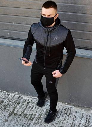 Мужской трикотажный спортивный костюм