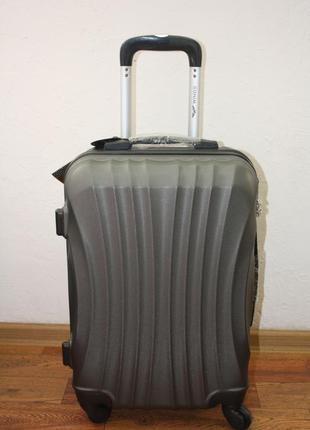 Стильный чемодан для лоукостов, валіза для лоукостів