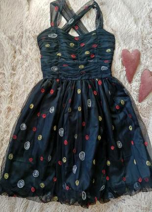 Черное нарядное платье в горох