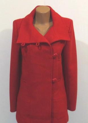 Красное стильное шерстяное пальто от sara kelly размер: 44-s, m