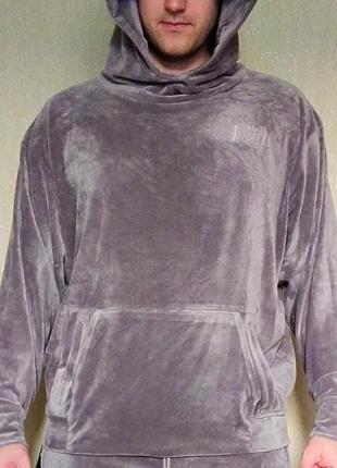 Велюровый костюм kith