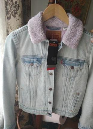 Крутая джинсовая куртка утеплённая шерпом levi's