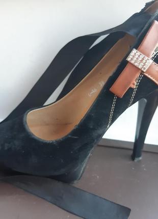 Замшивые туфли girnaive