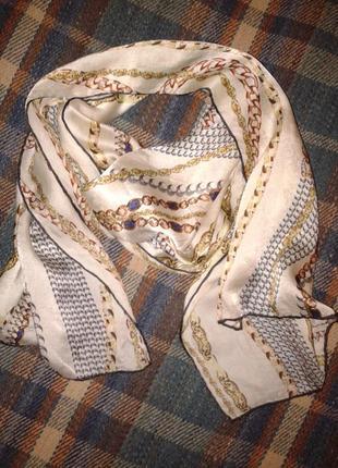 Шёлковый шарфик с цепочками в пастельных тонах