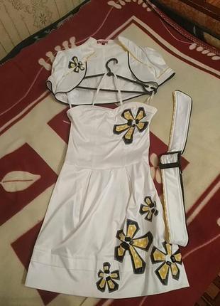 Эффектное платье-бюстье с болеро