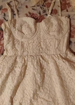 Платье белое бежевое ажурное