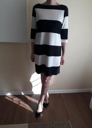 Красивое платье футляр, красивый крой!!