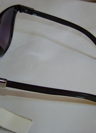 Черные солнцезащитные очки-стрекозы с дымчатой линзой с легким градиентом5 фото