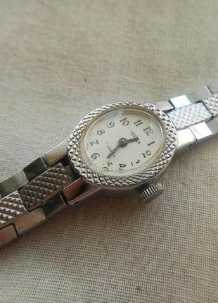 Часы продам ссср женские чайка часа владимире ломбард во 24
