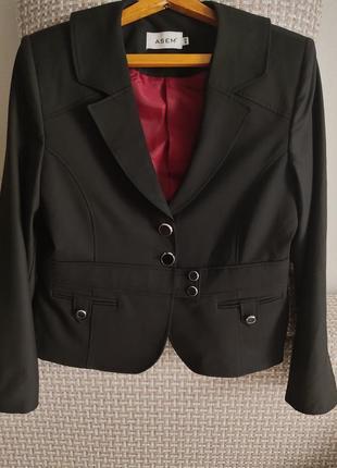 Стильный, оригинальный покрой, укороченный пиджак, жакет
