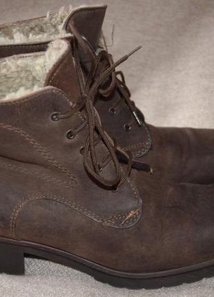 Ботинки кожаные 38 разм