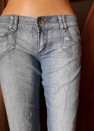 Эксклюзивные джинсы фирмы uno ,26 ,29